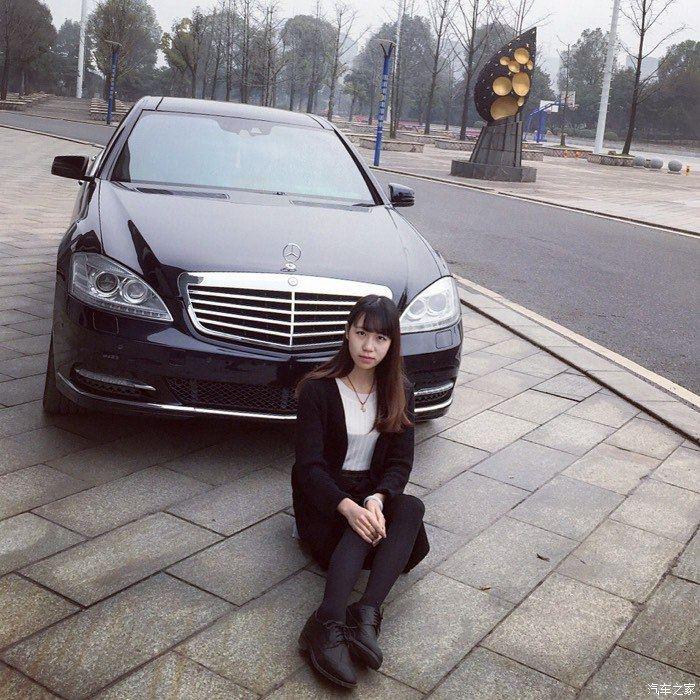 年少印迹 清纯学生妹与奔驰S 350 L