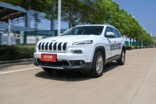 与时俱进的Cherokee 试驾广汽菲克Jeep自由光2.4L